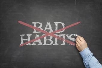 Sieben schlechte Gewohnheiten in Organisationen, die dem Erfolg im Weg stehen