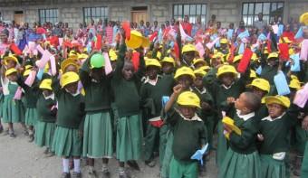 Africa Amini Alama leistet Hilfe zur Selbsthilfe für Frauen in Tansania
